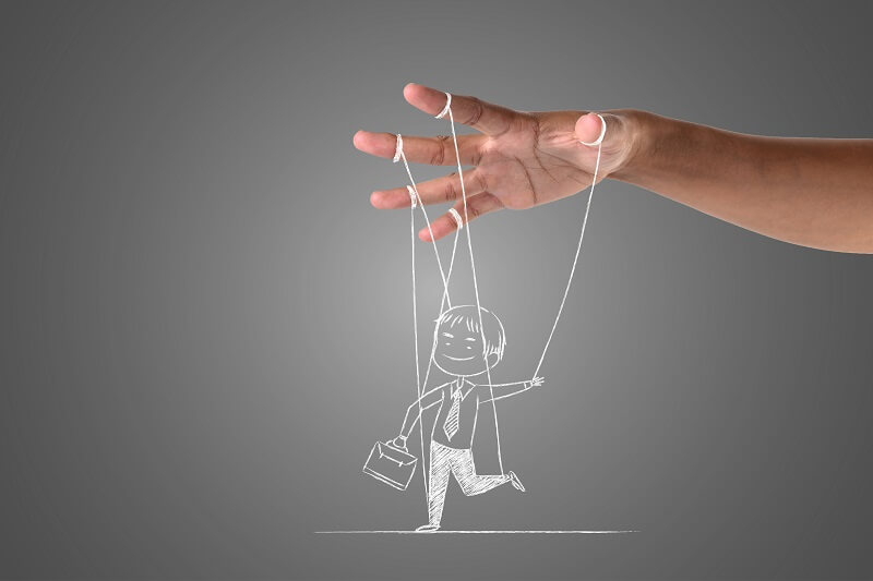 hand-drawn-puppet-on-string