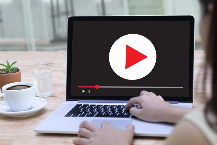 watch youtube on laptop