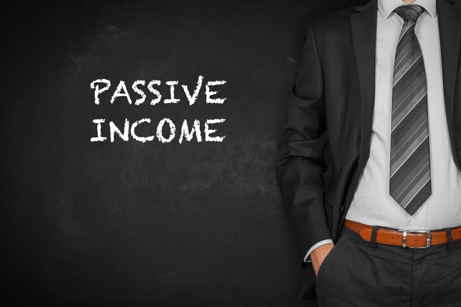 passive income man in suit