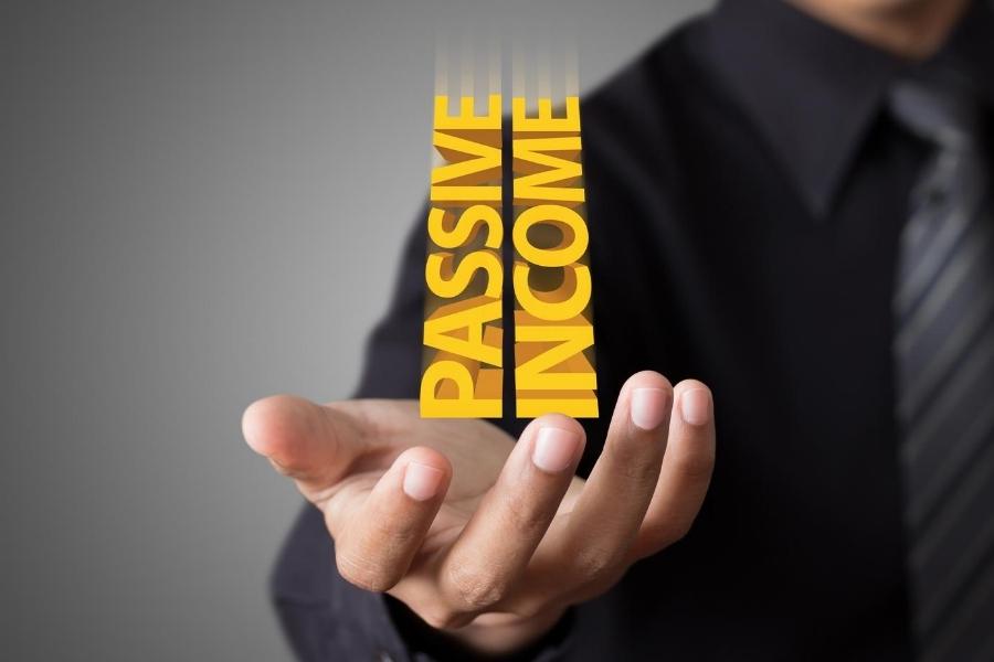 passive income in mans hand